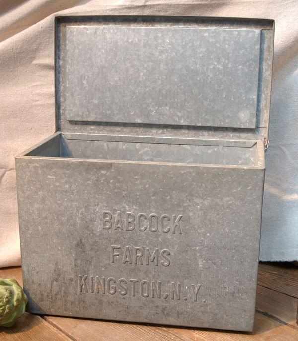 vintage industrial salvage galvanized metal storage advertising milk box for organization. Black Bedroom Furniture Sets. Home Design Ideas