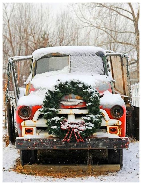 Old-red-truck-with-christmas-wreath